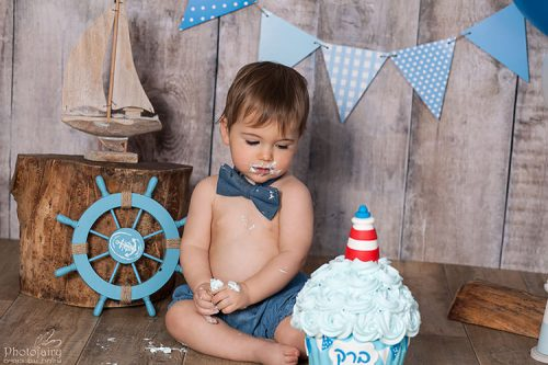 צילומי גיל שנה עם עוגה בסטודיו מהמם