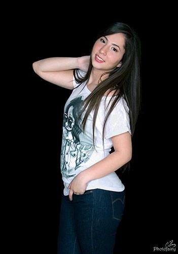 צילום תדמית בג'ינס וטישירט- הכי את