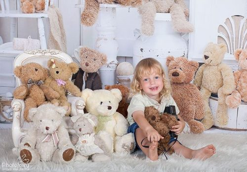 צילום ילדים מקצועי- עם דובים