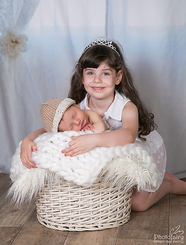 צילומי ילדים- אח ואחות -צילום בסגנון נקי