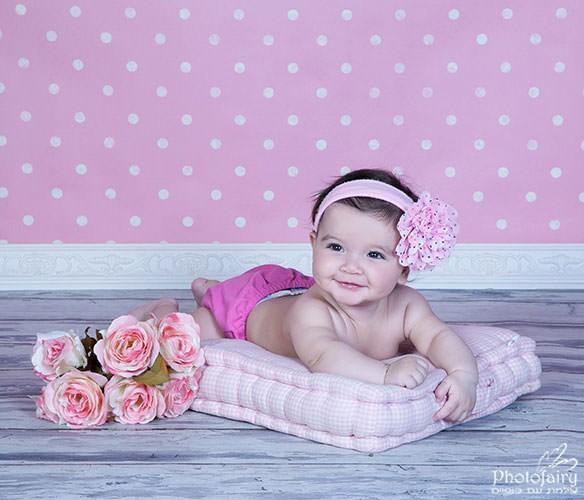 תינוקת מחייכת -צילומי ניו בורן