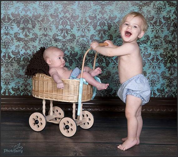 תמונות לתינוקות - בעגלת קש