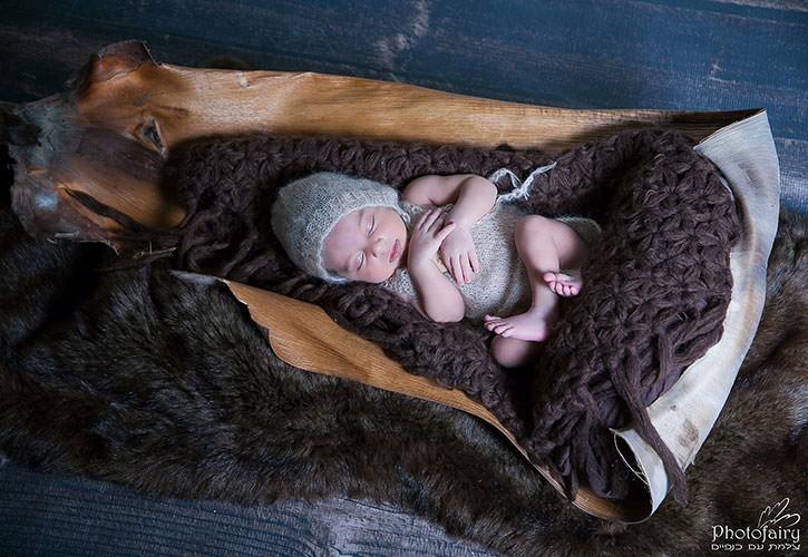 צילומי ניובורן עם אביזרים בסגנון טבעי - יצירה מושלמת של הטבע
