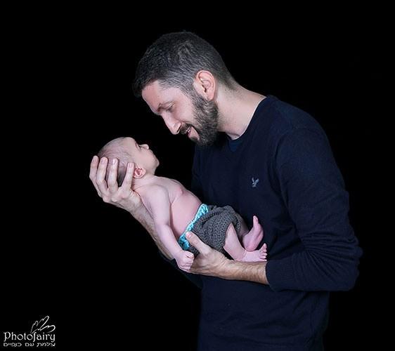 צילום ניובורן לתינוק עם אבא- שיחה ראשונה