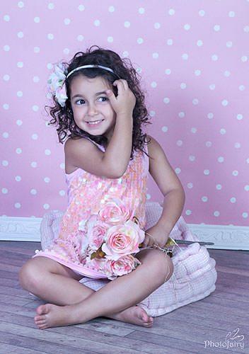 צילום ילדה מתוקה בורוד