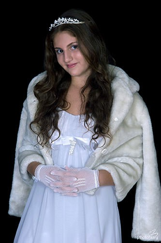 נסיכה אמיתית עם כתר