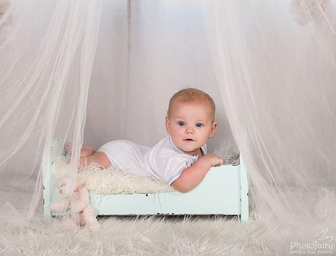 צילום תינוקות מקצועי- בסגנון רומנטי