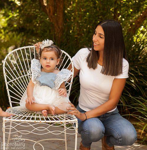 מבט אוהב של אמא - צילומי משפחה בטבע
