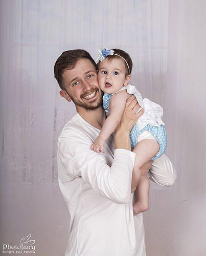 אבא ותינוקת צילומי משפחה