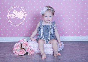 צילום תינוקת בת שנה וחצי