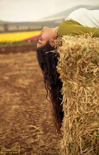 צילום אומנותי נשים- בטבע בשדה