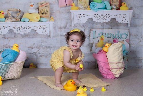צילום תינוקת בסט אמבטיה רטרו מגניב