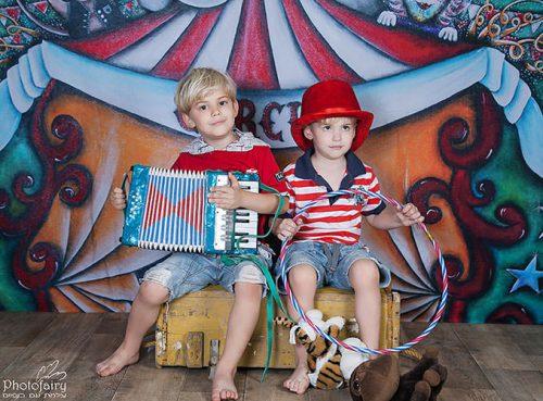 צילום ילדים בסטודיו בסט קרקס שמח וכייפי