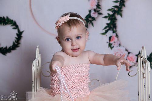צילומי תינוקות בסגנון אמריקאי עם פרחים