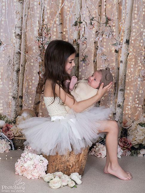 צילום תינוקות ניובורן- אח ואחות