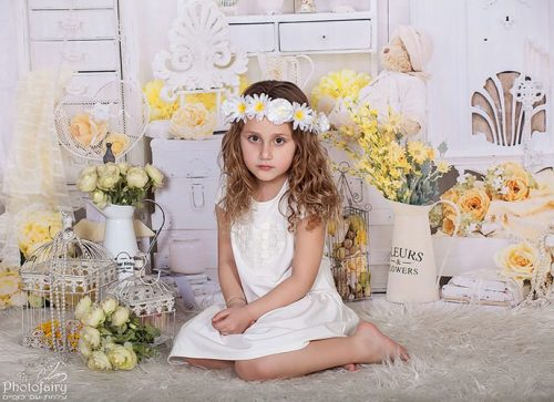 צילום ילדים בסגנון רומנטי מושקע- לבן בחלום צהוב
