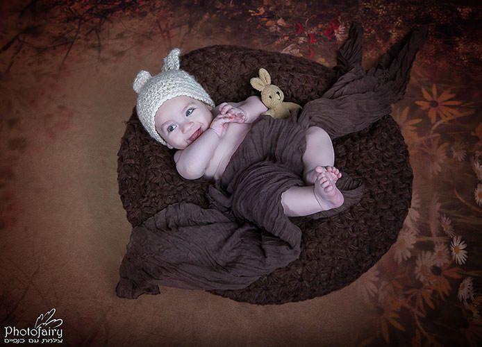 צילום תינוקות, תינוק ,שוכב על הגב ארנבי