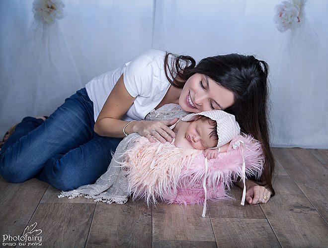 צילום ניו בורן מחמיא ומקצועי לאמא ותינוקת