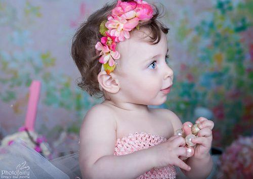 צילום תינוקות מקצועי- פורטרט בתקריב לתינוקת