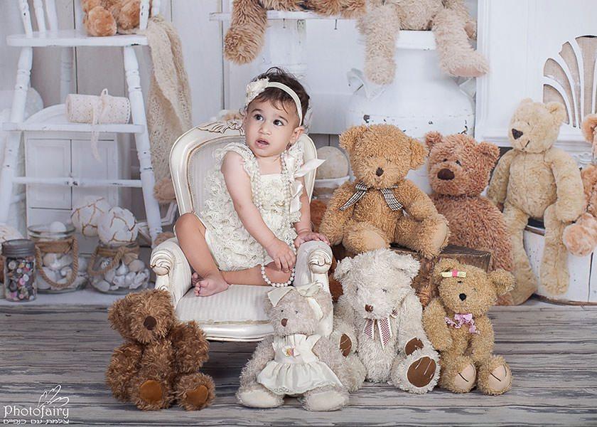 צילום תינוקת לכבוד יום הולדת שנה