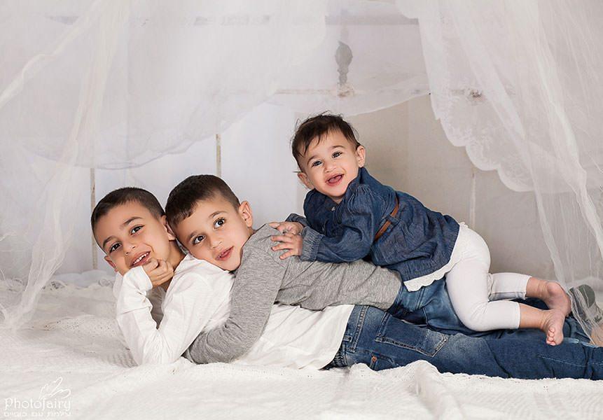 צילום ילדים ומשפחה- שלושה אחים