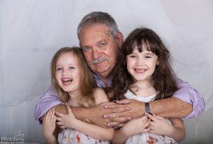 צילום משפחה סבא ונכדות