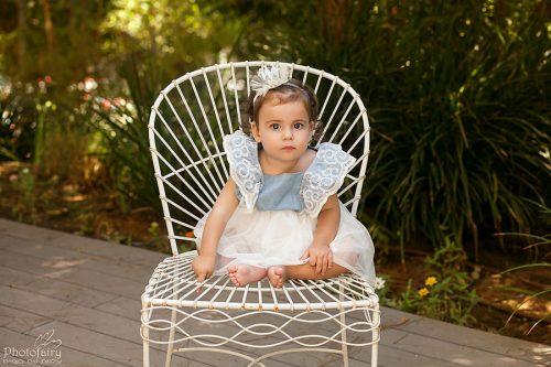 צילום ילדים מקצועי- תינוקת בגינה